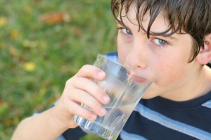 Kid_Drinking_Water