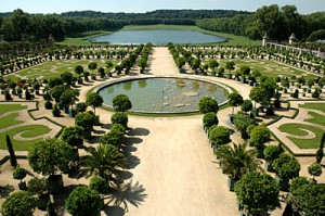 the gardens of versailles had great drinking water fountains